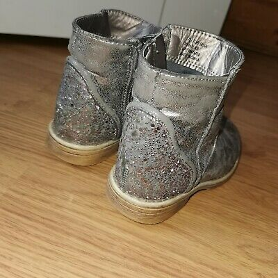 Girls  ankle pixie Boots size infant  UK 9