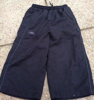 Bnwot Boy's Black 3/4 trousers by Umbro With Zip Up Pockets aged 11-12 years