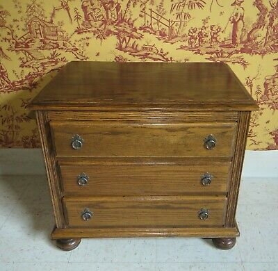Ethan Allen Royal Charter Chairside Bedside Chest of  3 Drawers 16 9006
