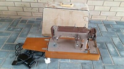 Singer 306K Sewing Machine. Cased