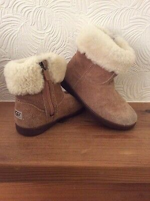 Girls UGG Boots Suede Sheepskin UK 9 EU 27 Zips Great Condition Cosy & Warm