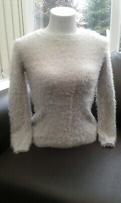 Girls Jumper, Size 9 to 10 year old. ( NEW ) Soft Grey.