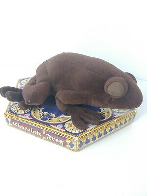 Universal Studios HARRY POTTER ~CHOCOLATE FROG~  scented plush NEW