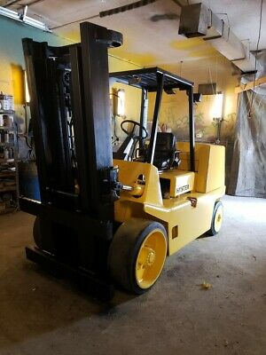 18,000 lb Capacity Hyster S155 Stretch Forklift For Sale