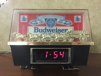 Budweiser Clydesdale and Wagon Light Up Digital Clock