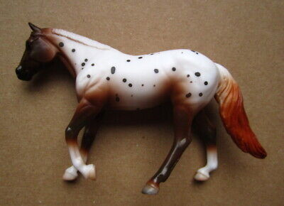 BREYER 2018 Stablemates Horse Toy Appaloosa G4 Loping Quarter Horse #6040 SM