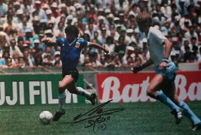 Diego Maradona  - Argentina  - signed autographed PHOTO 12X8 WITH COA