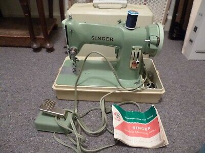 1950's SINGER 185J SEWING MACHINE - MADE IN CANADA - INSTRUCTION MANUAL  BOBBINS