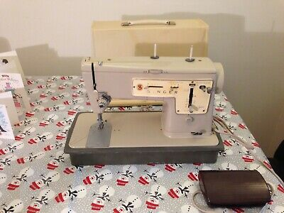 Singer 457 Zig zag electric sewing machine . Working