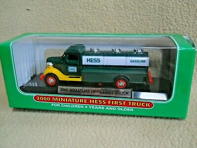 "/""Shipped in a box not a bag/"" 2000 Miniature First Hess Truck Mint in Mint Box"