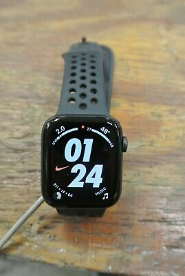 Apple Watch Series 4 GPS + Cellular LTE Nike 44mm Black Aluminum Case