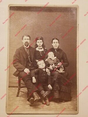 VTG Cabinet Card Photograph FAMILY FUNNY WOMAN SHOCKED Byerly IOWA