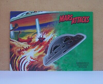 2017 Topps Mars Attacks Revenge Burning Cattle Saucer Medallion card CM-BC 40/55