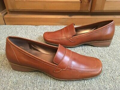 NEW *K by CLARKS * SOFTEES  100% LEATHER BROWN SLIP ON  LOAFER STYLE SHOES UK 6