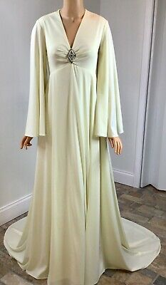"""1970s Vtg Angelo Ivory Knit Wedding Dress Batwing Sleeves Bust 28"""" NOS w/ Tags"""