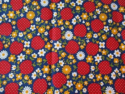 CUTE 1960-70's VINTAGE RED STRAWBERRIES DAISIES MUMS on BLUE FABRIC NOS 1 yard +