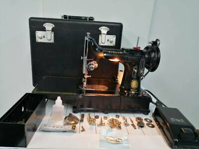 Singer 222 K Featherweight Sewing Machine with Accessories