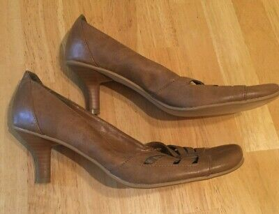 Ladies Beige Court Shoes, Low Kitten Heel, Size Uk 5 / Eur 38 Bnwot Sale!