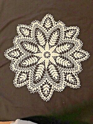 1950's HANDMADE Large CROCHETED  LACE DOILY~PINEAPPLE PATTERN~FREE SHIPPING~