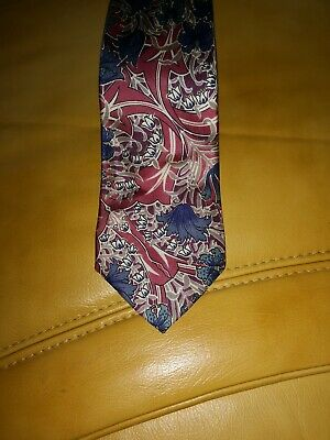 Liberty classic floral designer silk tie. Made in England.