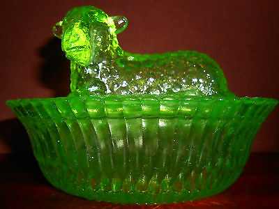 Green Vaseline glass Lamb Sheep on nest basket candy butter dish uranium covered