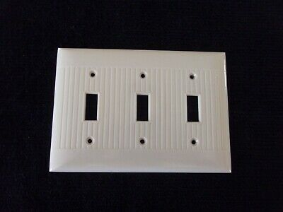 Vintage Sierra Triple Gang 3-Switch Plate Ivory Cream Bakelite Ribbed USA