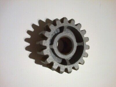 Spur gear.  4 Mod.  18 tooth.  14mm bore.  11mm pin.  Free UK delivery.