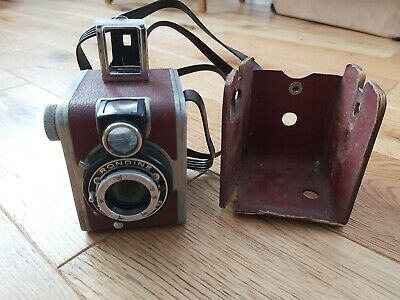 Vintage Ferrania Italy Rondine Vintage Camera Linear 7.5 lens with case