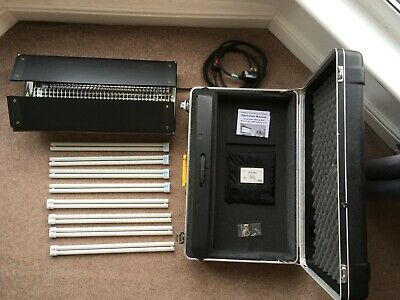 Kino Flo Diva Lite 401 w/ flight case, bulbs, louver, gel frame and flozier