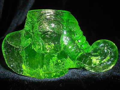 Green Vaseline uranium glass toothpick match holder circus elephant radioactive
