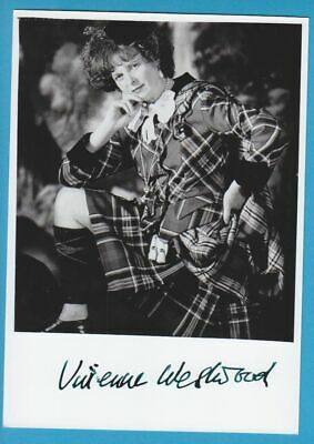 VIVIENNE WESTWOOD in person signed glossy PHOTO 13 x 18 cm AUTOGRAPH