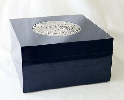 Shanghai Tang Vintage Chinese Luxury Box Made of Wood Lacquer Metal