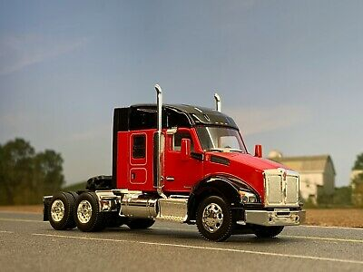 1//64 DCP RED//BLACK KENWORTH T680 W// MID-ROOF SLEEPER