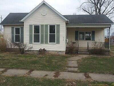 Single Family Home 3 bed 1 bath 1500 sq ft Connersville Indiana 47331