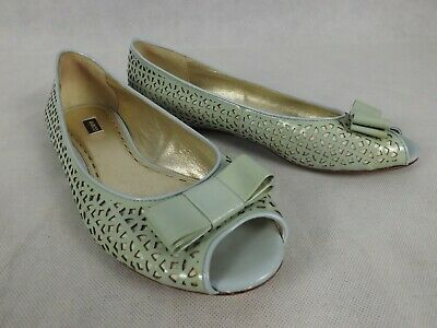 Mimco Size 40 9 Green Cream Laser Cut Flats Peep Toe Patent Leather Bow