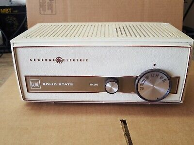 Vintage 1950s General Electric GE Solid State AM Radio Model T-1130A