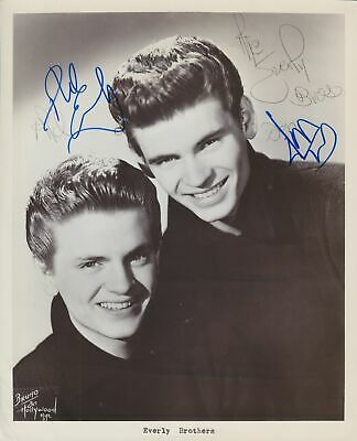 THE EVERLY BROTHERS in person signed glossy 8 x 10 inch PHOTO Don & Phil Everly