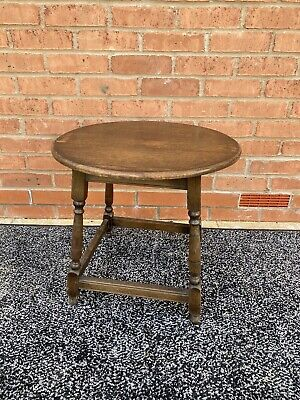 Antique Vintage Arts and Crafts Round Solid Oak Coffee Side Table