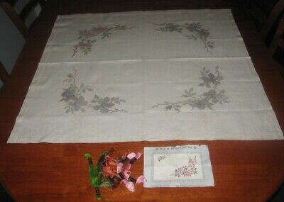 Vintage Tablecloth~Embroidery To Complete/Thread & Instruction~Linen~Square