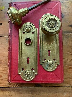 Pr Solid Cast Brass Antique Door Knobs And Matching Backplates Russel & Erwin Co