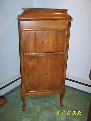 Victor Victrola COLUMBIA PHONOGRAPH MAPLE CABINET