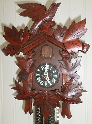 Nice Rare Red Mahogany Unusual 3 Bird Carved Working Black Forest Cuckoo Clock!