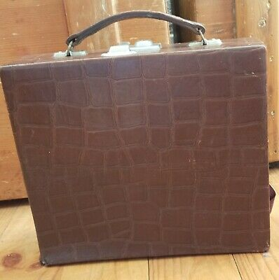 Lournay Vintage beauty case with contents