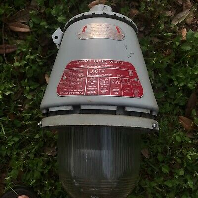 Appleton Electric Company A-51 Series Vented Explosion Proof Lighting Fixture #4