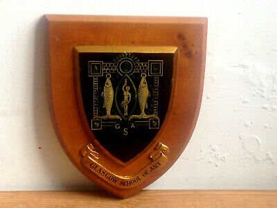 VINTAGE GLASGOW SCHOOL of ART ARMORIAL SHIELD/ WOODEN PLAQUE