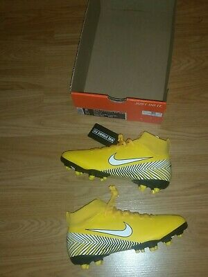 Boys Nike Superfly Academy Sock Football Boots Size 3.5