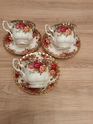 Royal Albert Old Country Roses Tea Cups & Saucers.