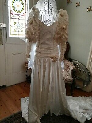 VINTAGE  1980's WEDDING GOWN  & SHORT VEIL BY SUGAR HOUSE