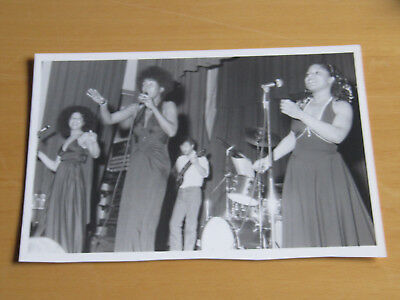 THE MARVELETTES - ORIGINAL UK PROMO PRESS PHOTO - 10 x 7 INCHES (2)