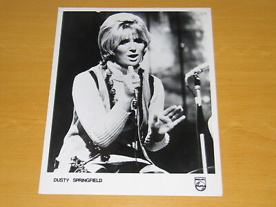 DUSTY SPRINGFIELD - ORIGINAL UK PROMO PRESS PHOTO - 10 x 8 INCHES (1)